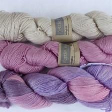 3 colured yarns