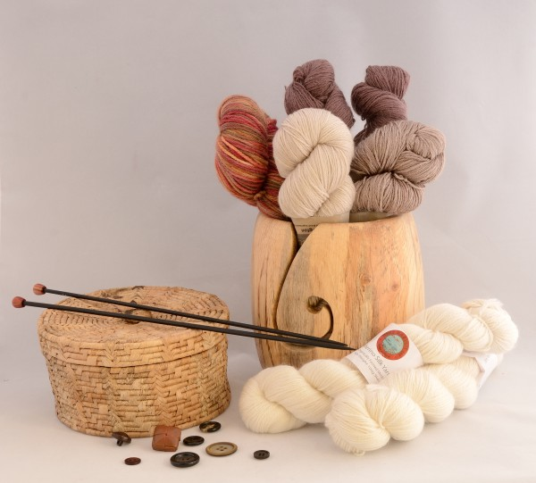 Brown and cream coloured yarns